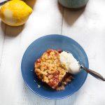 crumble aux fraises et à la compote de poire recette