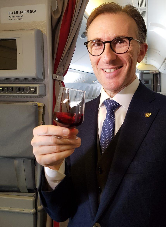 Paolo Basso le Meilleur Sommelier du Monde 2013 ici en cabine Best Business Air France