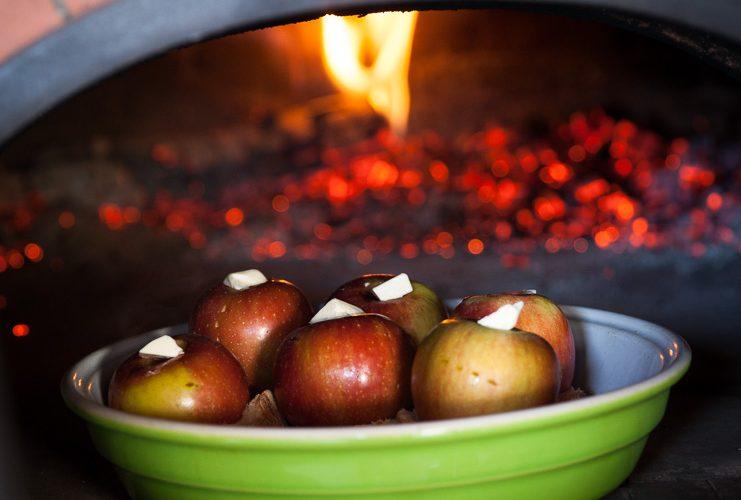 la recette des pommes cuites au four à bois Grand-Mère
