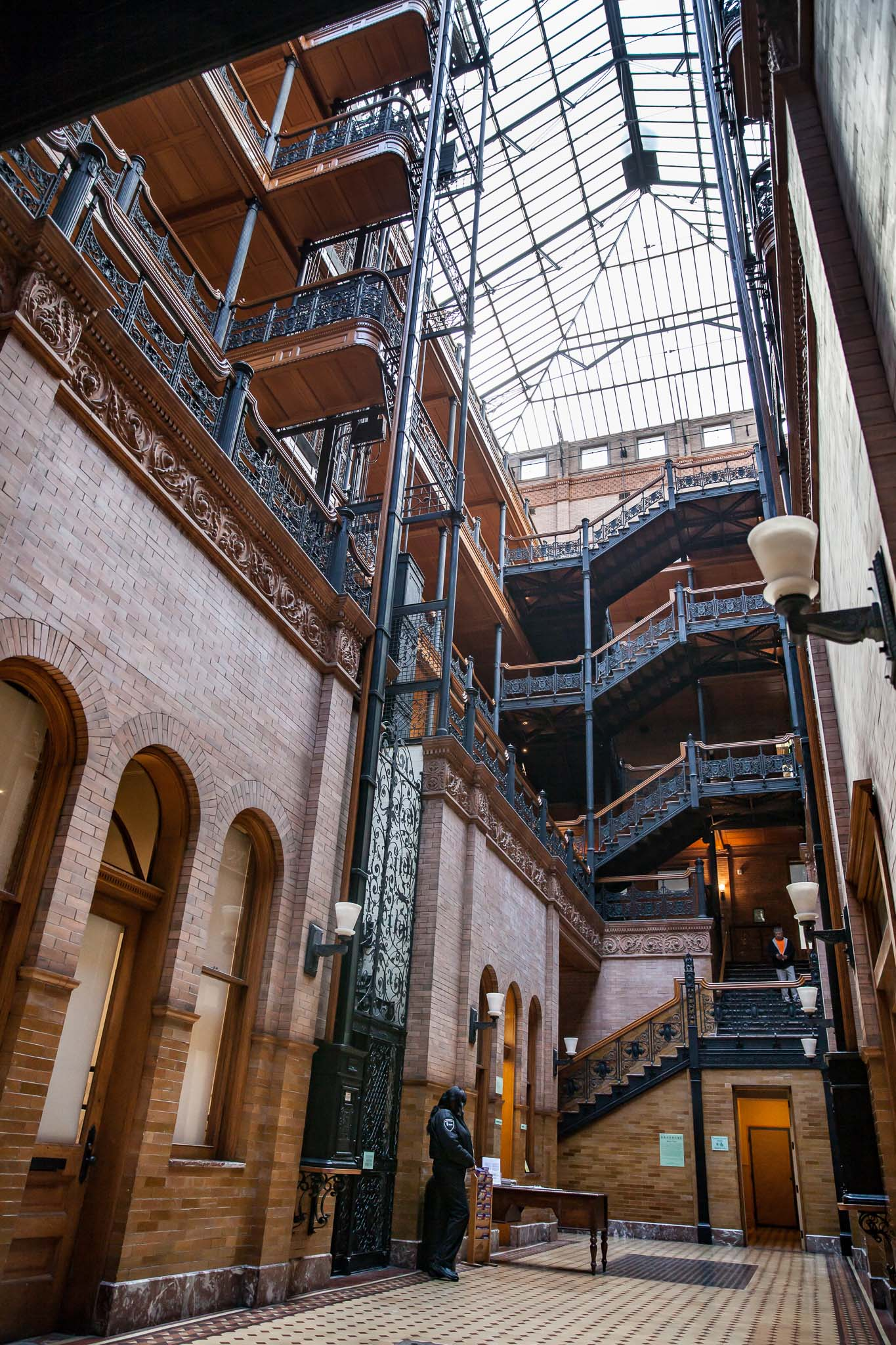 Visiter Los Angeles autrement le Bradbury Building sur Broadway