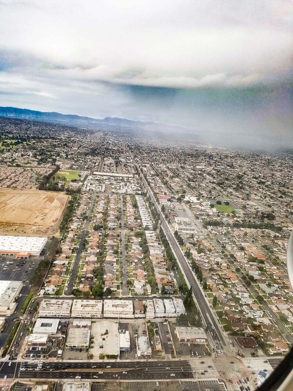 Los Angeles vu du ciel, une très très vaste étendue de maisons individuelles