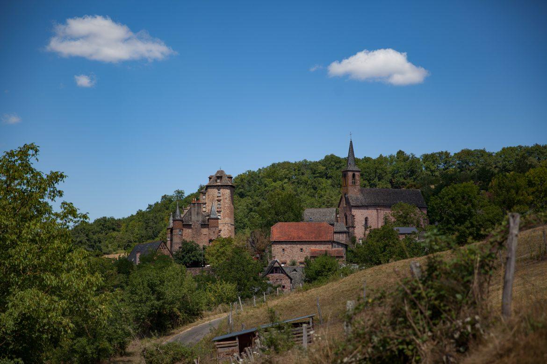 Le village de Combret de Nauviale dans le vallon de Marcillac