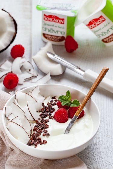 recette de Breakfast bol au yaourt à la noix de coco et au grué de cacao