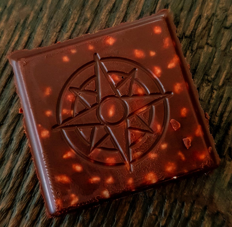 Chocolat menthe avec des petits cristaux de menthe de chez Baratti & Milano