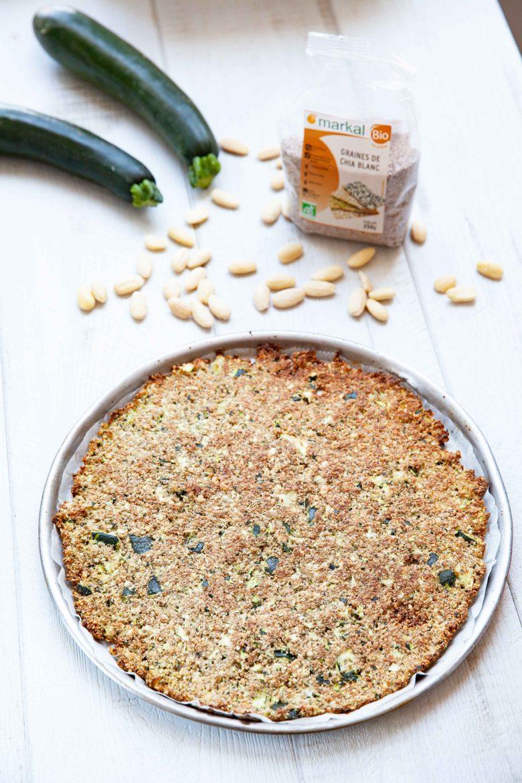 Pâte à pizza aux courgettes et aux graines de chia blanc précuite, la recette