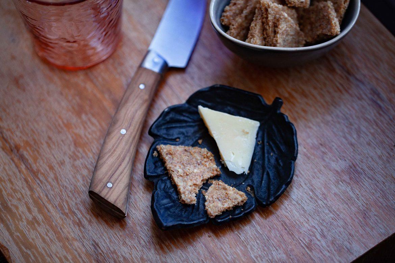 crackers keto et fromage, la recette des crackers