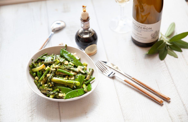 Légumes verts sautés au vinaigre balsamique et vin blanc bouzeron du domaine de chanzy