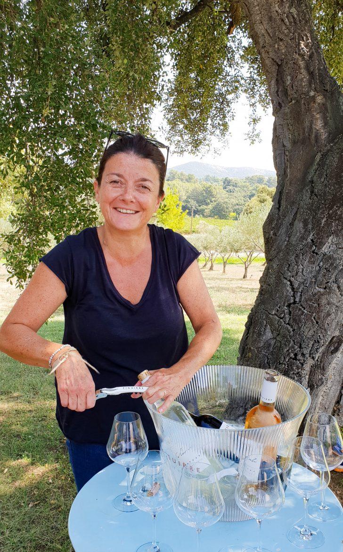 Magali Combard nous fait déguster les vins du domaine de Figuière