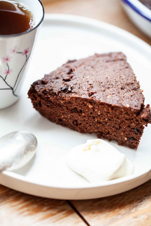 Part de gâteau au chocolat keto ou ig bas.