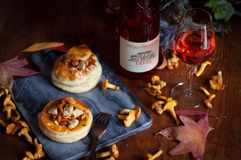 Mes croustades de girolles au boudin blanc et le viin rosé de Tavel Château de Trinquevedel