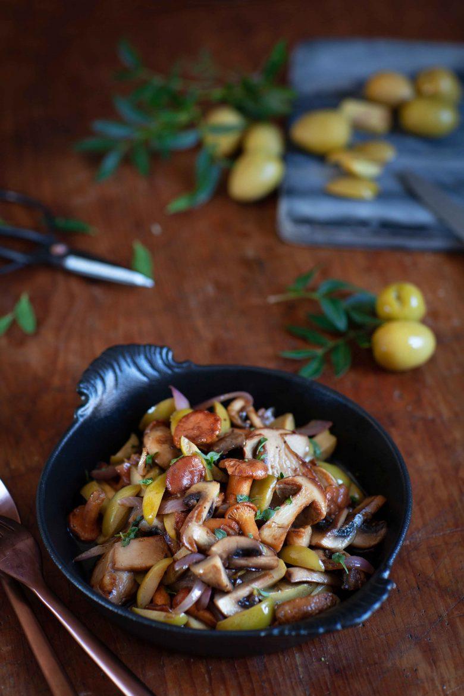 Ma recette de poêlée de champignons aux olivez vertes manzailla