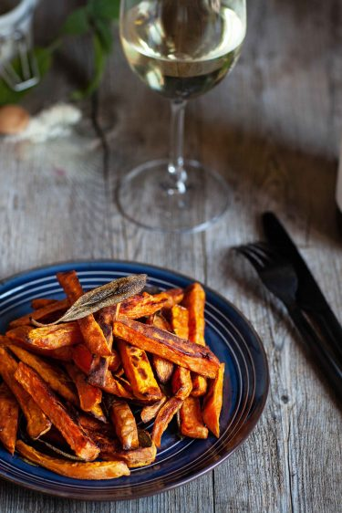 Recette de fites de patates douces au cumin et sauge et vin blanc Cahrdonnay du Domaine de l'Aigle