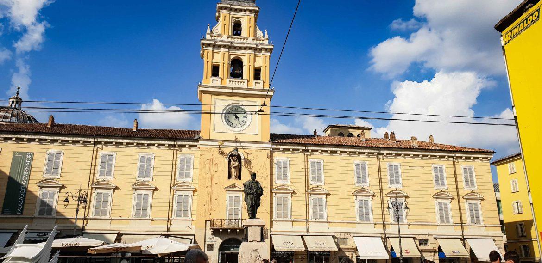 La fameuse Piazza Giuseppe Garibaldi à Parme, visite de Mutti