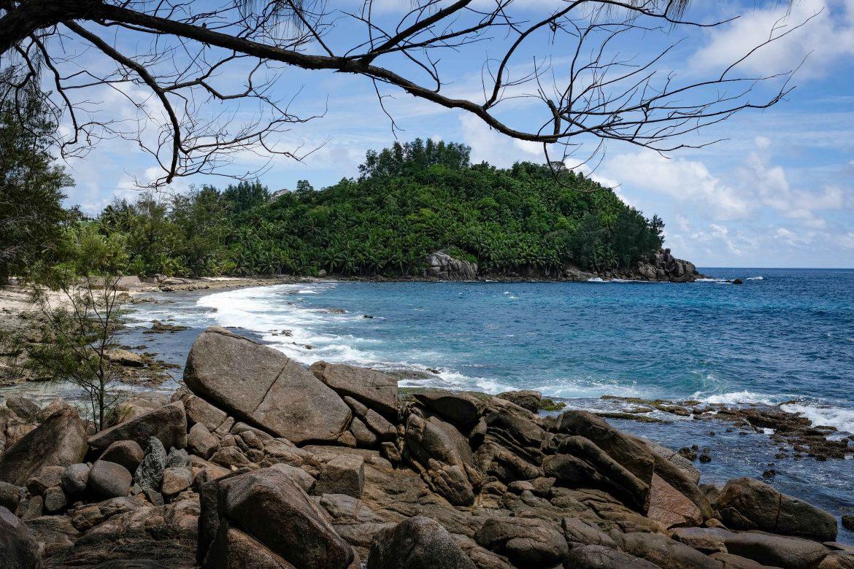 Police Bay à Mahé (Seychelles), une anse sauvage et dangeureuse