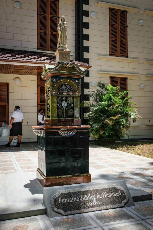 Diamond Julbile Fountain et la statue de la reine Victoria