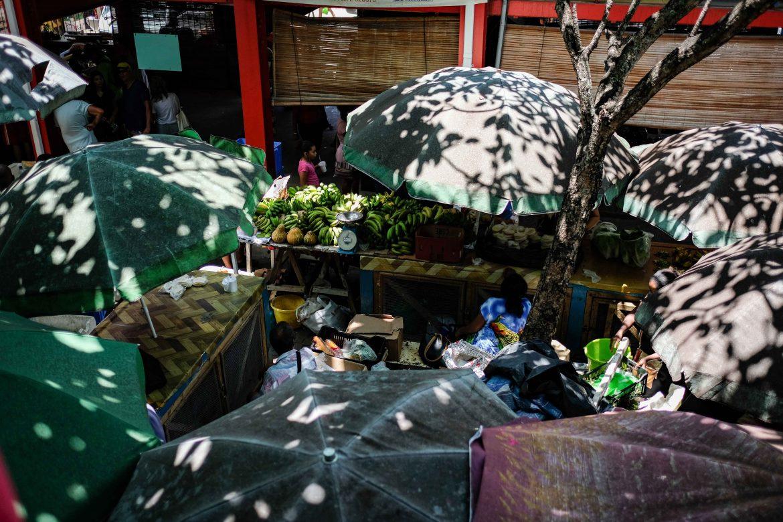 Marché couvert de Victoria à Mahé Seychelles, vue intérieure
