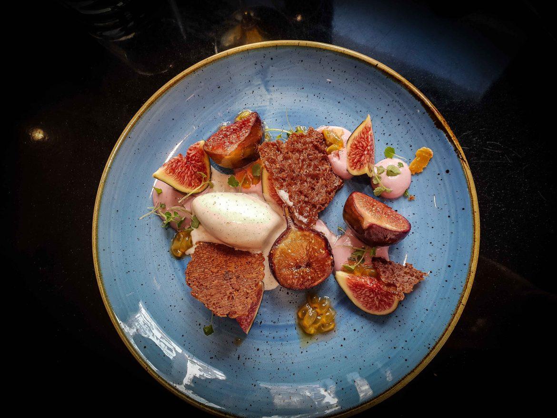 Dessert aux figues rôties chez Ida, le restaurant de Denny Imbroisi