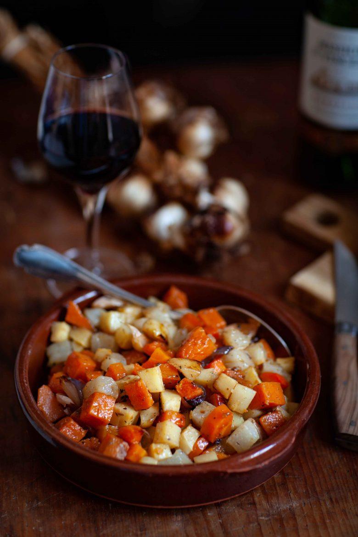 Légumes de tajine confits au four cuits sur plaque