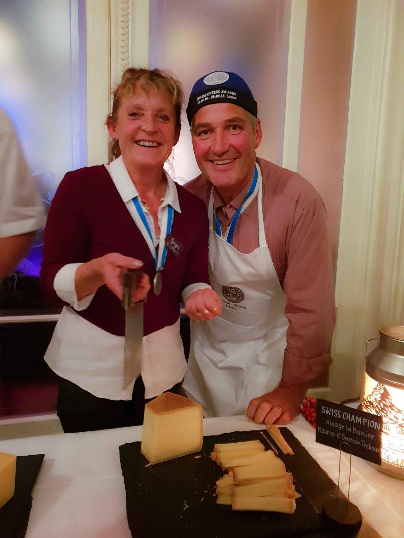 Maurice Treboux et son épouse, les champions des Swiss Cheese Awards 2018 grâce à leur Gruyère AOP