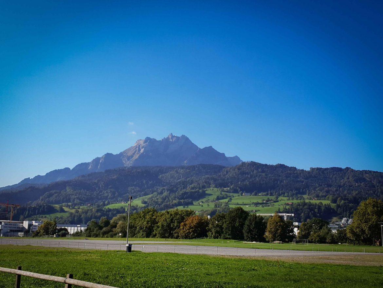Le mont Pilatus vu de la plaine de Lucerne