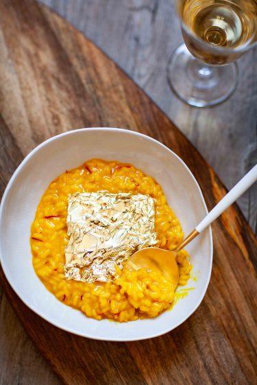 Recette de risotto alla milanese safran et moelle de boeuf