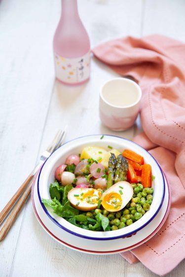 Salade de légumes et oeuf mariné et saké Sayuri