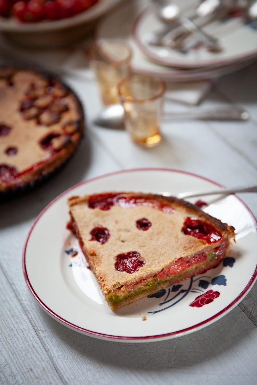 Trate aux fraises cuites et à la crème de pistache