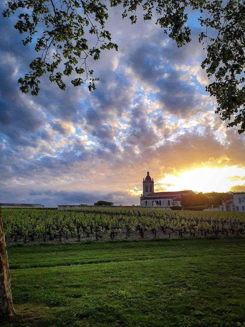 L'Eglise Saint-Michel près de Château Margaux au crépuscule aperçu du Margaux Wine Tour du Château Kirwan