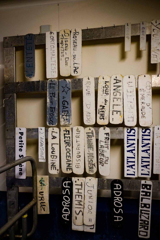 Les étiquettes des bateaux de la criée de Noirmoutier