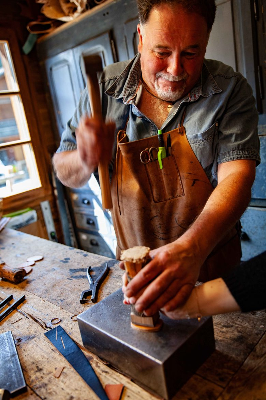 Didier Perrillat Artisan Bourrelier