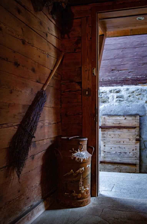 Bidon de lait peint Savoie à La Cluzaz