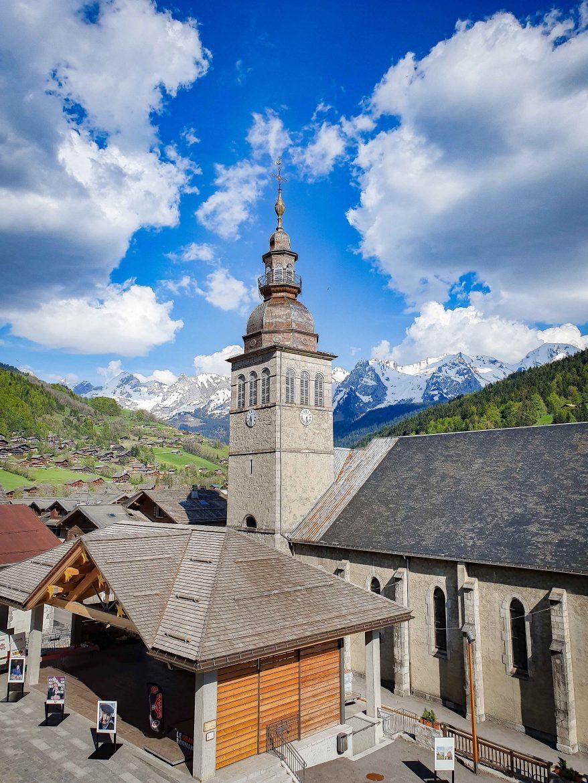 Le Grand Bornand et l'église Notre Dame de l'Assomption