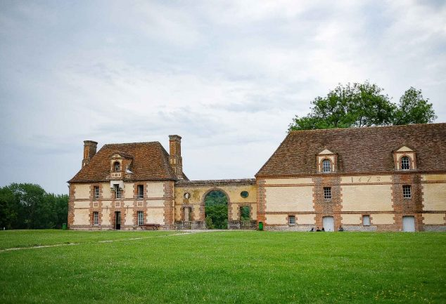 Orangerie et logis du régisseur du Domaine de Merval, sur la Route des Fromages de Normandie