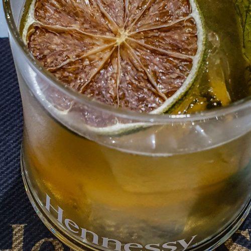 Cocktail Mint Punch Hennessy préparé lors du Workshop Cocktail