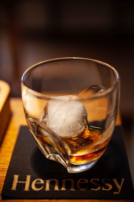 Cognac XO Hennessy sur gros glaçon