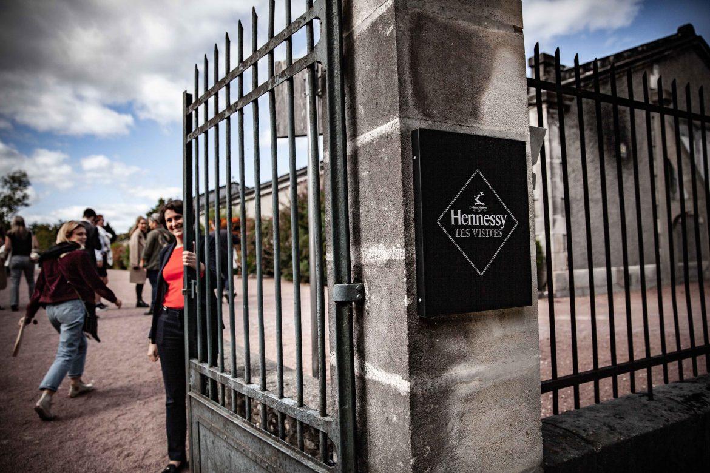 Entrée du musée du Cognac Hennessy, viste des chais à Cognac