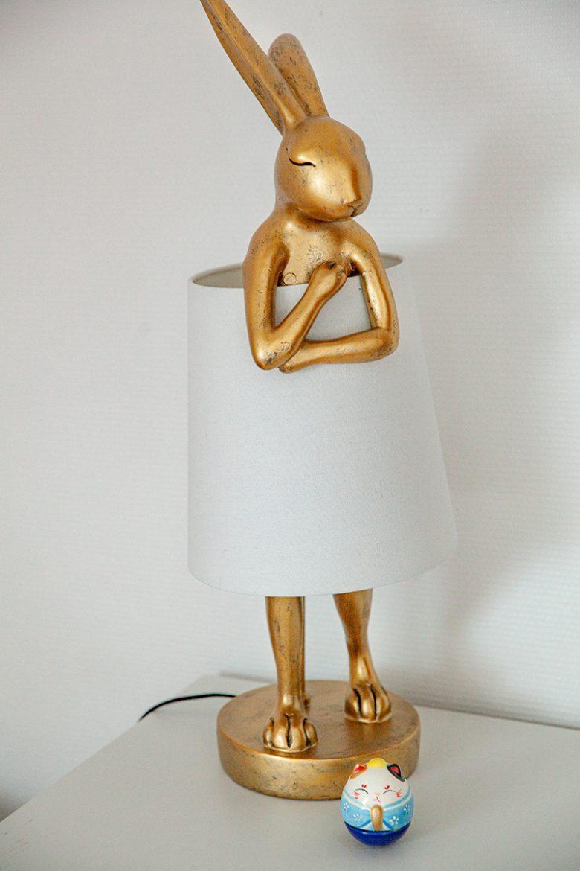 """La lampe Lapin de Kare Design dans ma chambre """"Alice"""""""