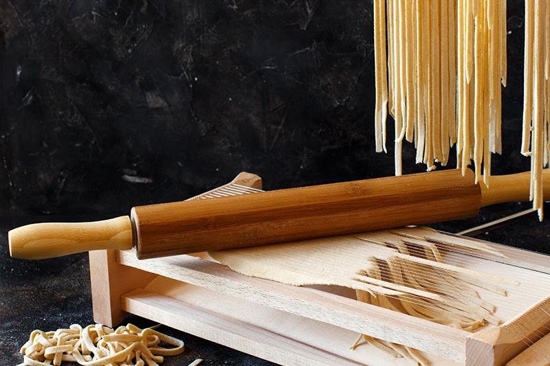 Comment sont découpées les pasta alla chitarra ou pâtes artisanales des Abruzes