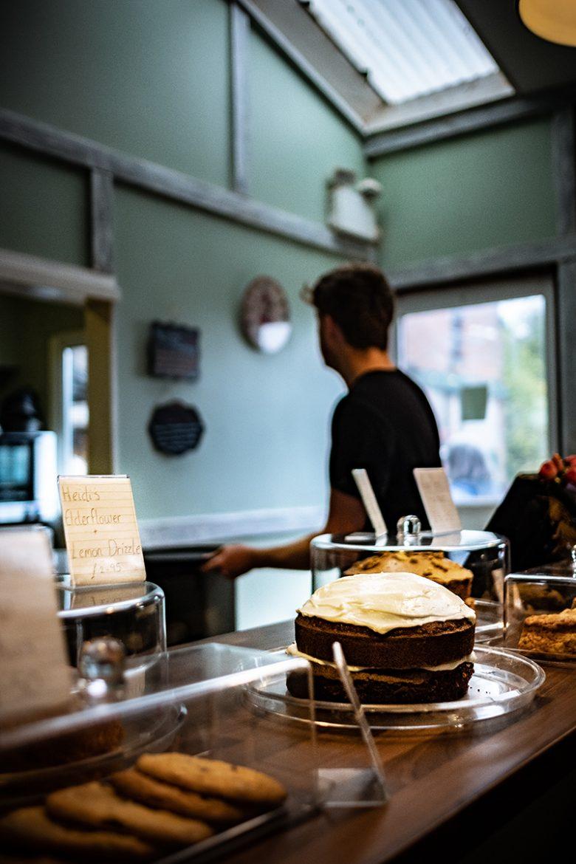 Perry Court farm shop tea room avec ses gâteaux maisons