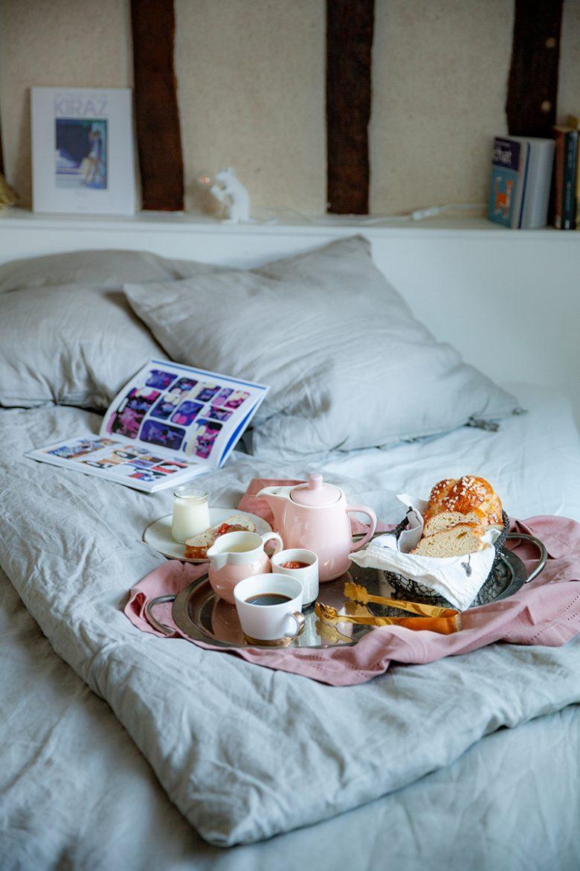 La chambre Alice, une décoration très jeune fille, avec des accessoires et des objets qui ne sont pas gnangnan