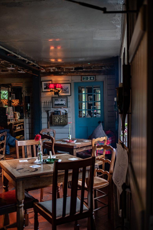 Une des salles du gastro pub Woolpack Inn à Warehorn
