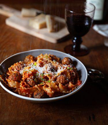 Recette de Pâtes aux boulettes de viande et à la sauce tomate, mafaldine polpette, ma recette italienne