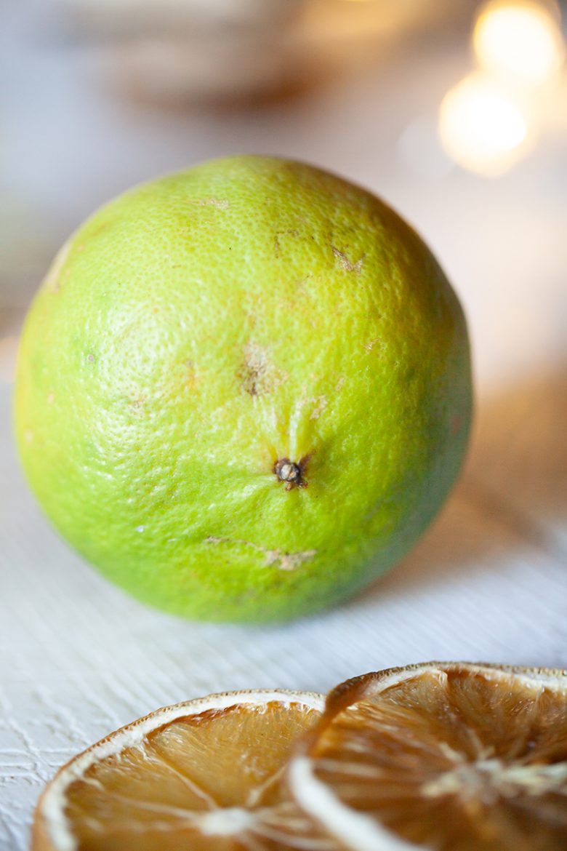 La base de la bergamote, citrus bergamia, ressemble à une orange