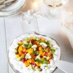 Recette de Pavlova aux fruits exotiques et crème chantilly coco, préparation entièrement végétale