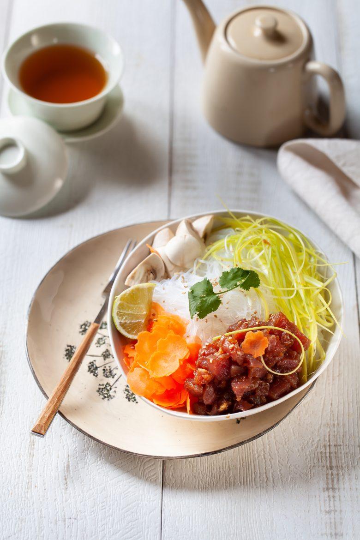 Poke bowl au thon et genmaïcha thé