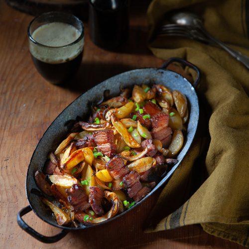 Recette de pommes de terre au lard et aux épices confites au four