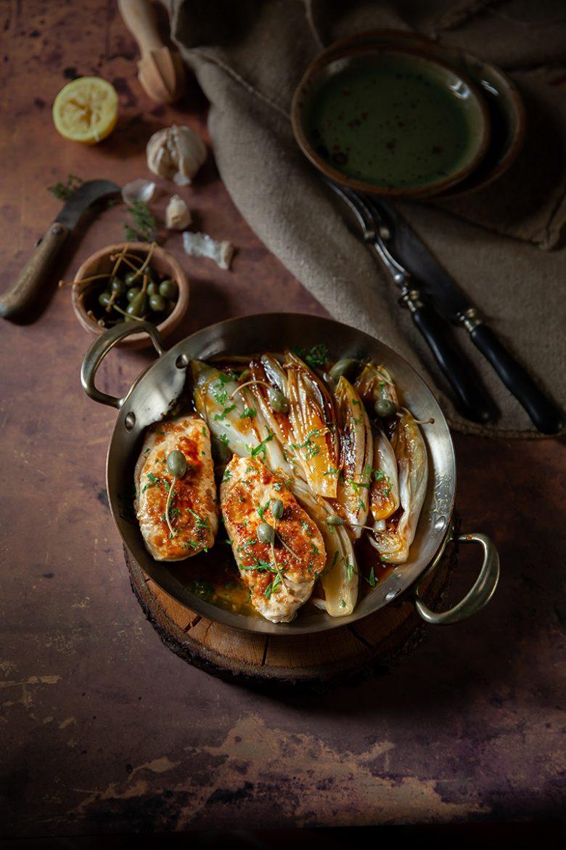 Ma recette d'escalopes de poulet confites à l'ail et au citron, accompagnées d'endives braisées au sirop d'érable