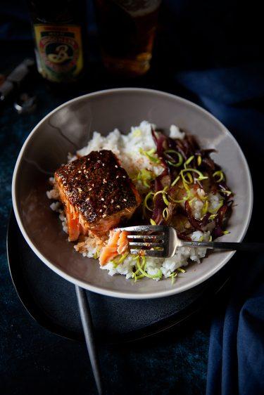 Recette de saumon teriyaki, riz japonais et oignons confits