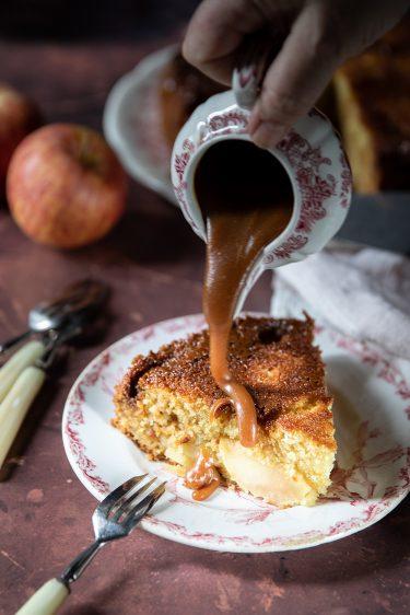 Recette de gâteau aux pommes, caramel beurre salé et noix de coco