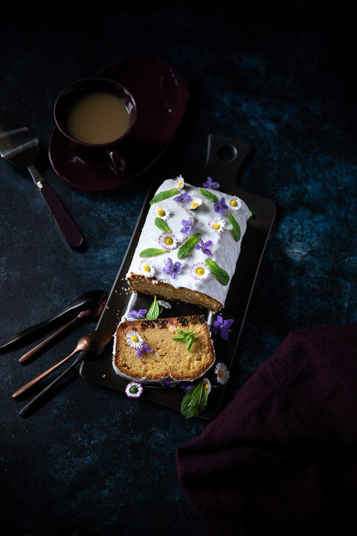 La recette du cake au yaourt, au rhum et aux raisins